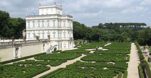 Stati Generali: al via la passerella di Conte, re di parte degli italiani